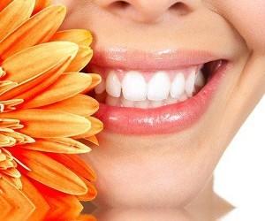 Как удалить зубной камень естественным образом