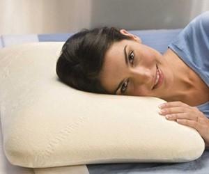 Лежать на подушке после секса
