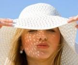 солнечное облучение стрессы неправильное питание провоцируют появление веснушек