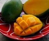 Назван фрукт, который защитит от рака груди