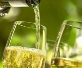 белое вино увеличивает риск развития меланомы