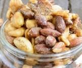 зимой употреблять горсть орехов день