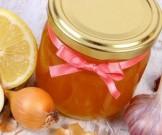 домашнее средство лука меда против выпадения волос