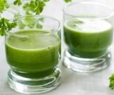 зеленый коктейль дикоросами