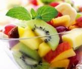 салат фруктов ягод сорбетом гранатового сока