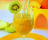 витаминный экзотический коктейль